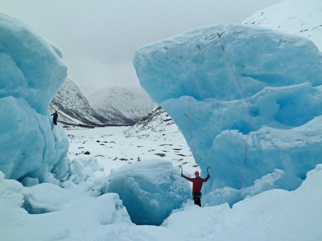 chillup guide ice climbing on glacier
