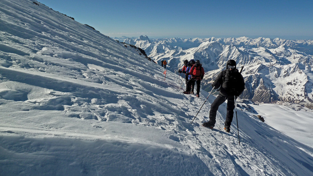 chillup summit attack elbrus