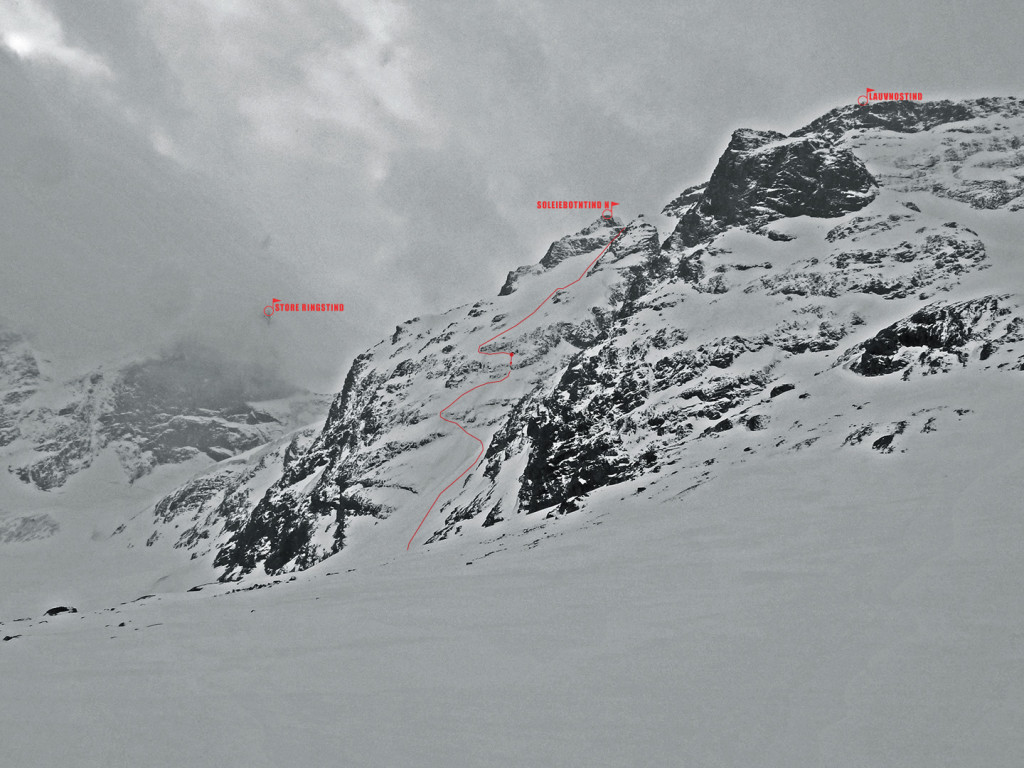 NE flank between N Soleiebotntind and Lauvnostind.