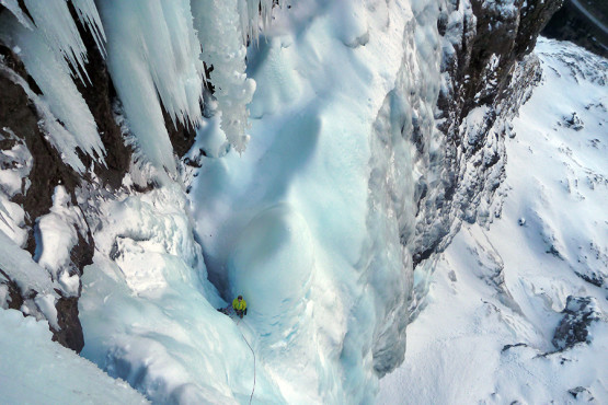 ICE CLIMBING GUIDED TOURS IN NORWAY